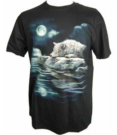 T-shirt - Wolf by The Lake